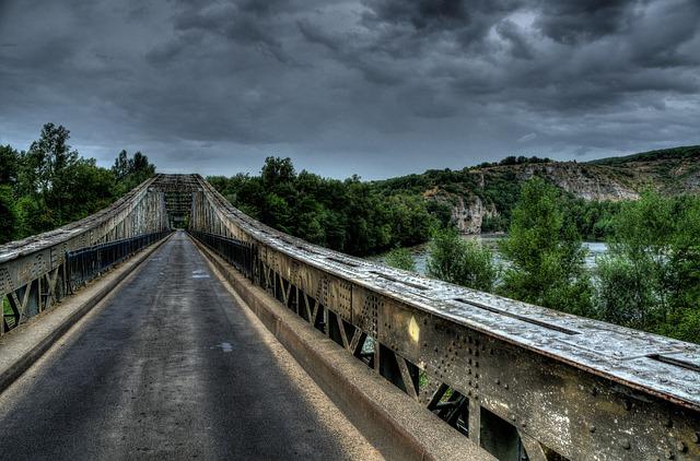 bridge-908295_640