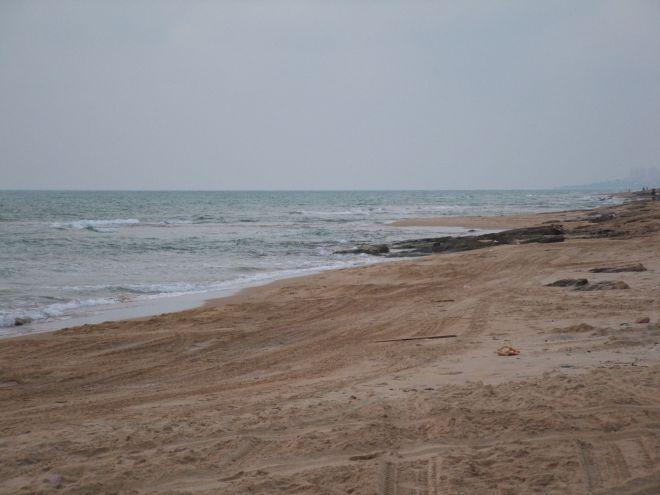 2048px-Seashore