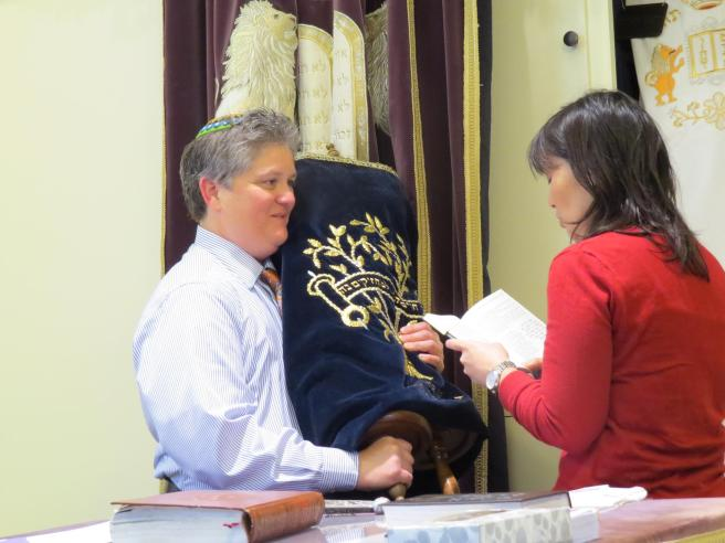 A New Jew receives the Torah