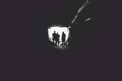 tunnel-336543_640