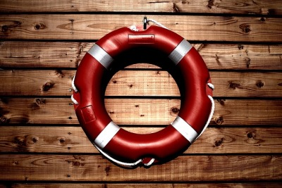 lifesaver-933560_640